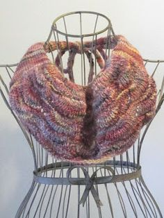 Balls to the Walls Knits: Bear Track Cowl