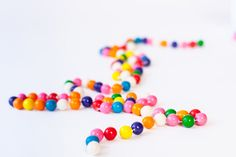 Bubble Gum Garland aka the Cutest Garland Ever! Easy party decor!