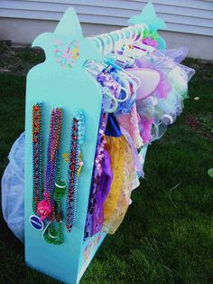 Fancy Fleur de Lis Dress-Up Rack | Do It Yourself Home Projects from Ana White