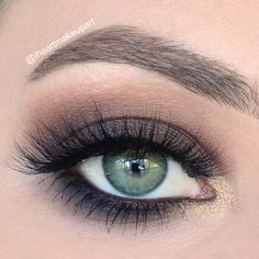 Stunning 'Brown Autumn Smokey' eye look by the lovely Iheartmakeupart using Makeup Geek's eyeshadows Peach Smoothie, Vanilla Bean, and Frappe.