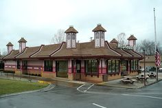 The world's only pink Victorian style McDonald's restaurant is located in Eureka Springs, Arkansas! Cool!