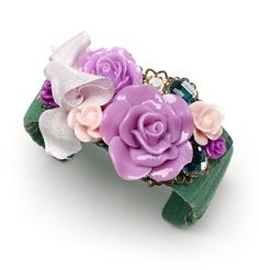 Find this darling floral cuff by Dana Kalatsky (applewhite.etsy.com) in the March issue of Bead Style along with other floral jewelry inspiration! beadstylemag.com