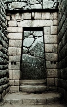 Doorway at Manchu Pichu (Been there!)
