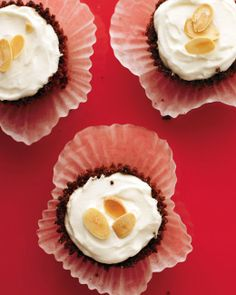Mini Ginger-Almond Cheesecakes Recipe