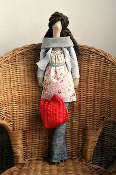 De Tacones y Bolsos: Las muñecas de Agah