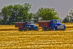 Classic Farm Trucks together with Q1pqztmAFbY further Page5 further 1952 Chevy Truck Vin Location moreover 191527584487. on 1940 international harvester 1 ton truck
