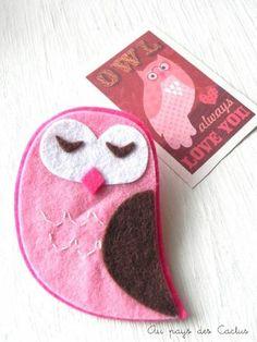 felt owl pin