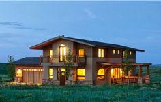 Planta de casa de campo de madeira com 4 quartos. Mais em → http://www.plantasdecasas.ws/