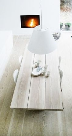 Wide planked Dinesen wood table