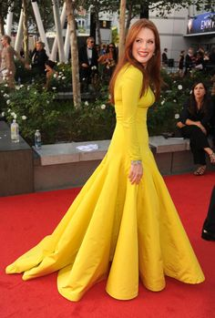 Julianne Moore lit up the red carpet in bright chartreuse