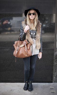 STREET STYLE: Evelina proves a Mulberry Alexa always looks good. More at www.handbag.com/fashion/street-style