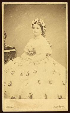 Brady cdv of Mary Todd Lincoln, 1861