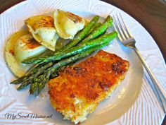 Oven-Roasted Asparagus with Parmesan by My Sweet Mission. A healthy, easy side dish that's great with any meal. http://www.my-sweet-mission.com/2014/02/oven-roasted-asparagus-with-parmesan.html #asparagus #easyrecipes #healthyrecipes