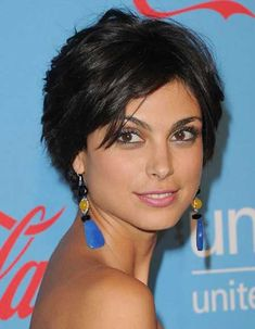 Morena Baccarin's Lovely Layered Bob Cut
