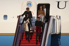 Sasha and Malia Obama's Stylish Vacation Wardrobe Selling Out in Stores - Yahoo Shine