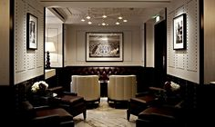 London's Luggage Room Bar Packs in Glamour