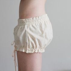 Sew up these mini bloomers in a couple hours. (Free pattern)