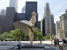 Chicago!! Marilyn Statue!