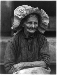 old woman in bonnet (doris ulmann, appalachian portraits, c1930)