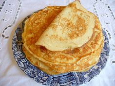SPLENDID LOW-CARBING BY JENNIFER ELOFF: ULTRA LOW-CARB CREPES. She uses these as the noodles in lasagna (leave out the sweetener) Hmmm....