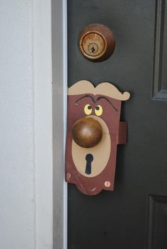 what a good idea .......Alice in wonderland party. Template here: http://a.family.go.com/images/cms/disney/PDFs/april-fools-talking-doorknob-craft-template-0311.pdf