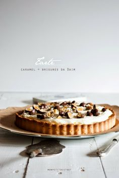 Mon petit bistro tarte, caramel + brisures de Daim