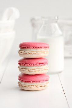vanilla + raspberry macarons