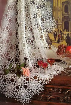 Withe Lace Tablecloth or Bedspread
