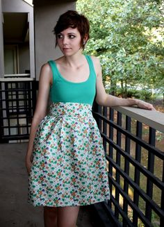 Tank + fabric = easy dress. I'm determined to make one...when I get my hands on a sewing machine.