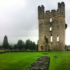 Helmsley Castle (s.XII) Yorkshire UK