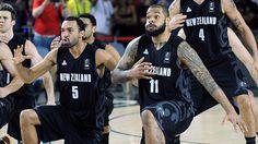 New Zealand perform haka to bewildered USA basketball team - video | Sport | The Guardian