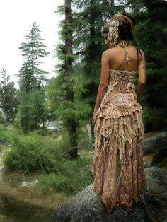 Jungle Gypsy Fashion. Beautiful dress.