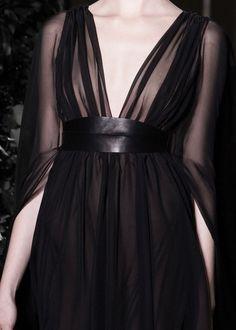 130186:  Valentino Haute Couture Fall 2014