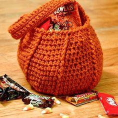 Halloween trick or treat bag crochet pattern #Halloween #crochet #pattern #pumpkin