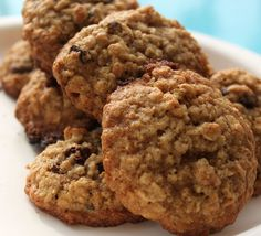 What's Cookin' Italian Style Cuisine: MOM'S Old Fashioned Cinnamon Raisin Oatmeal Cookies and a little History on our Family