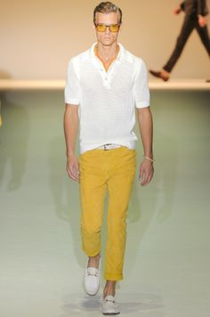 1)One of the top trends of 2013 is wearing bright color.  Horray.   Gucci does yellow with a flourish for SS 2013.