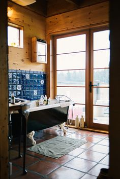 I want to live on a mountain, in a home where that is secluded enough for me to walk around snakey with the windows wide open...or I'd settle for a back window that faces the woods where I could lounge in my bathtub under the bubbles.