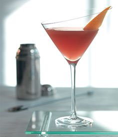 The L'Amour Moderne cocktail, inspired by 'Unconditional Love.' A taste of love in a modern age, passionate but bittersweet, with fresh, fruity notes.