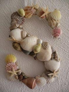 Seashell Monogram. ooh, love it!