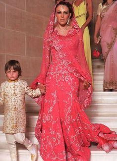 Beautiful Pink Wedding Dresses | Elizabeth Hurley pink wedding dress | Beautiful Wedding dresses