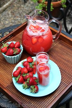 Strawberry lemonade recipe: •1 ¼ lb strawberries, washed cut in halves, about 4 cups •2 lemons, washed and quartered (use limes to make strawberry limeade) •~ ½- ¾ cup honey or sugar to taste, adjust based on your preference and sweetness of strawberries •6 cups of water •Ice •Garnishes: Strawberry slices, lemon slices and/or fresh herbs