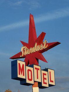 Neon Signs ... Stardust Motel