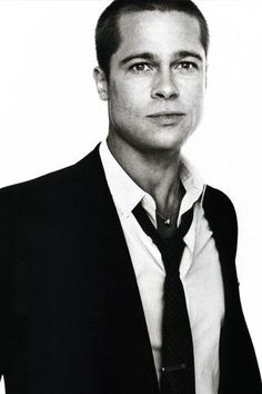 Guys in suits are just SO HOT.