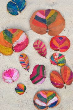 make: painted leaves ~ simple vacation art project with kids | @Marianne Glass Glass Tone Silveira Correa - Small for Big