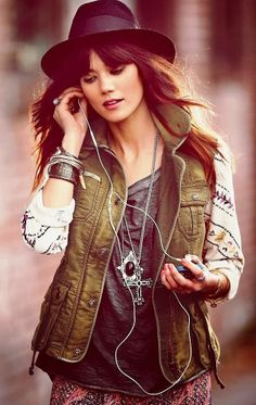 Gorgeous street style with cargo vest jacket, hat and fashion accessories