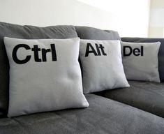 Ctrl  Alt  Del  Three Pillow Set Geeks Need par diffractionfiber, $55,00