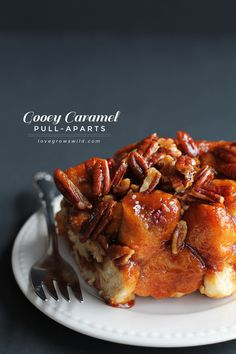 Gooey Caramel Pull-Aparts - only 5 ingredients needed for this delicious, decadent treat! | LoveGrowsWild.com  (This is our favorite Breakfast recipe!)