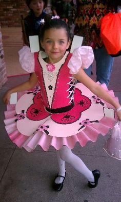 Paper doll costume. SO cute!