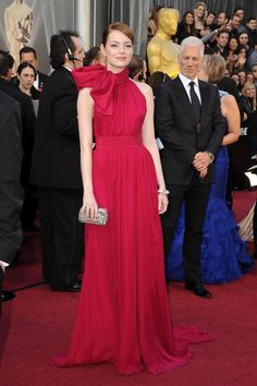 Emma Stone at Oscars 2012 in Giambattista Valli & Louis Vuitton