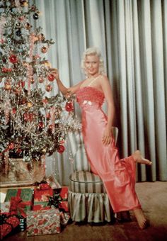 Jayne Mansfield having an apricot colored Christmas!